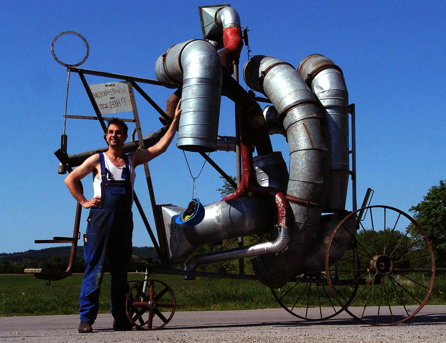 Peter Heel,  Peter Heel and the ´grand pitch-machine´, 2011, h 3,4 m